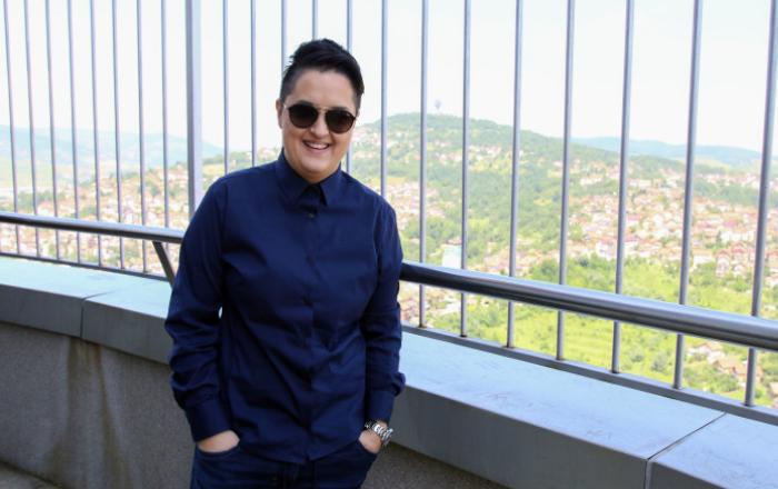 Marija Šerifović pozirala u cvjetnoj haljini: Kad se sad nisam šlogirao, neću nikada! FOTO